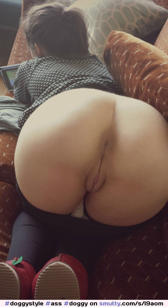 lucyslounge wevibe strip in vancouver public library january #ass #bubblebutt #morena #shower