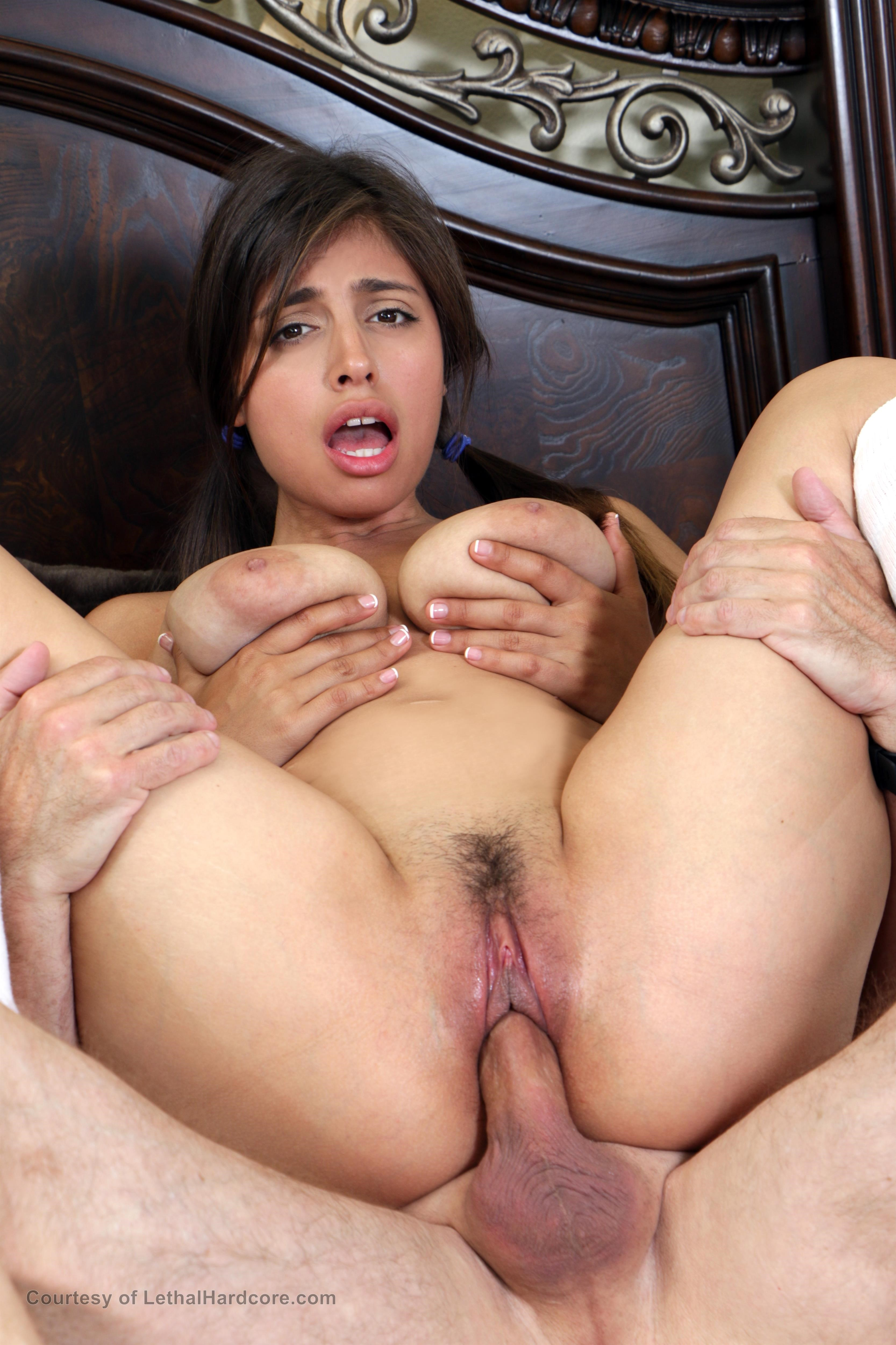 sarah and rosaline fuck with fake agent in threesome