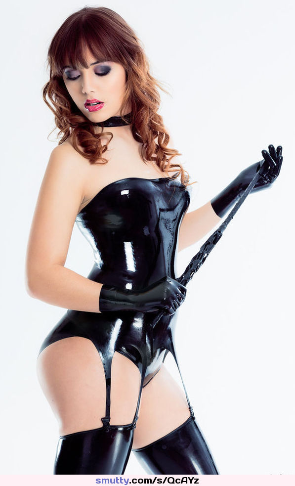 guy eats out a fat amateur girl #redhair and #latex ..............#tele