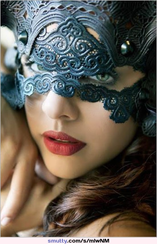 BLUEMASK_REDLIPS Girlsface Beautiful Gorgeous CLRBF CLRBColour
