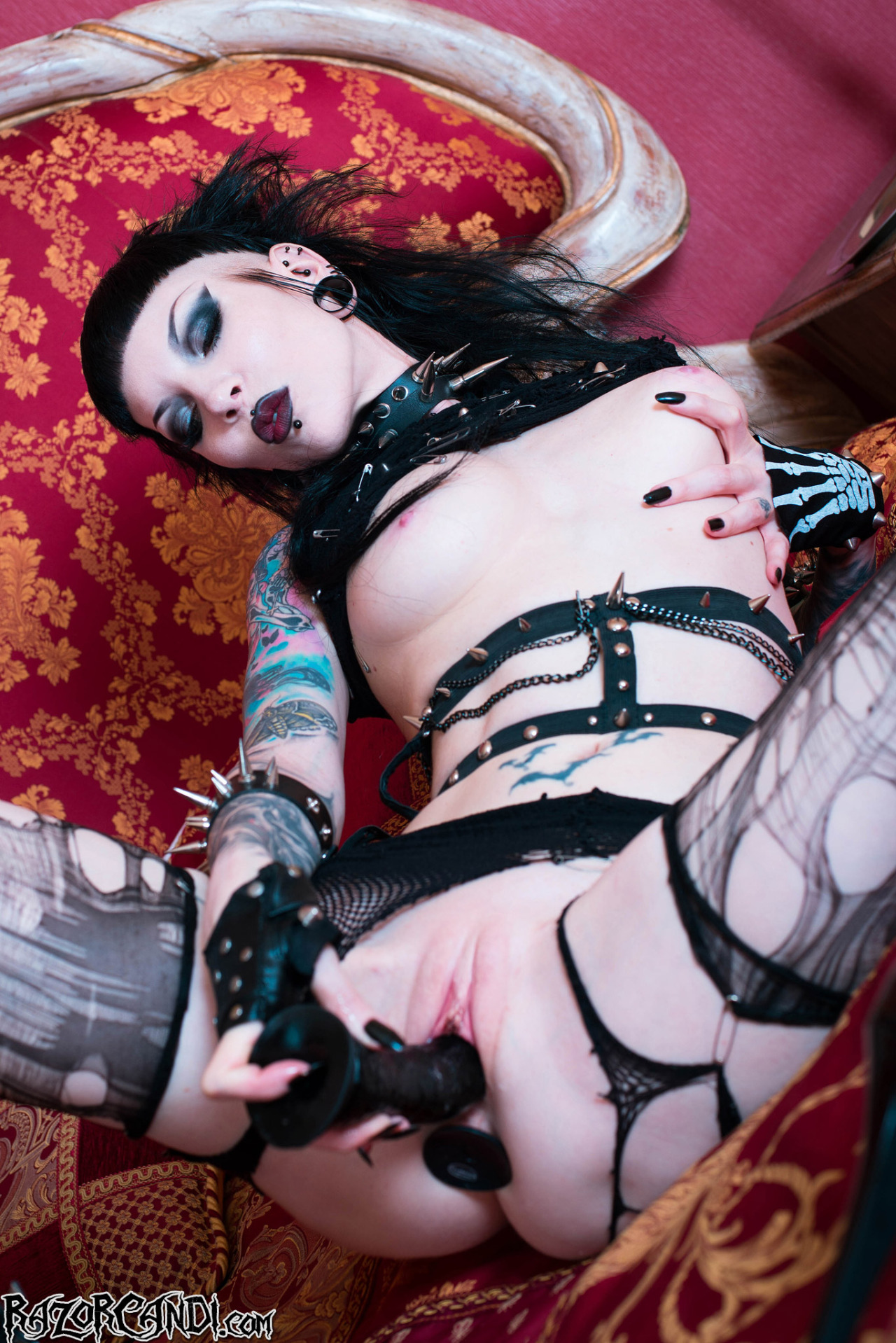 how to stream with open broadcaster software #deathrock #fishnet #heels #mohawk #mouthopen #pale #pierced #razorcandi #rippedfishnet #rippedstockings #spread #tattooed